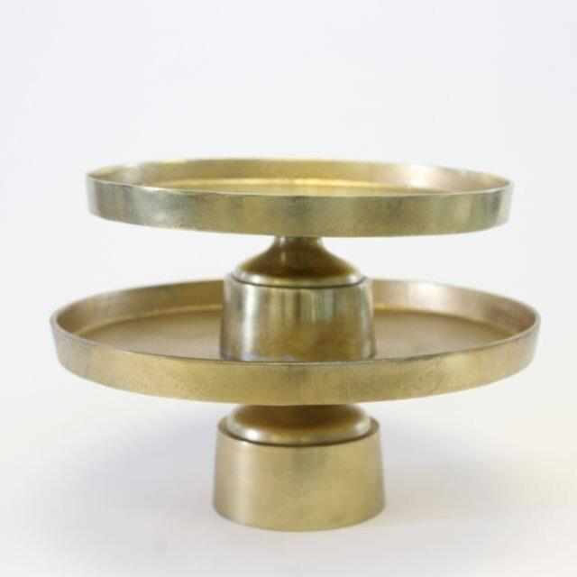 Where to find WINDSOR GOLD CAKE STANDS in Nashville